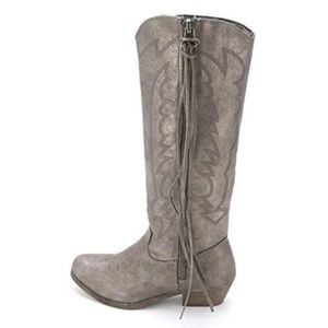 Womens Gray Silver Pewter Distressed Telula Boots